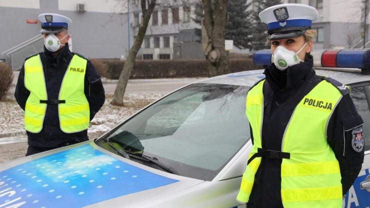 Małopolscy policjanci dostali maski antysmogowe