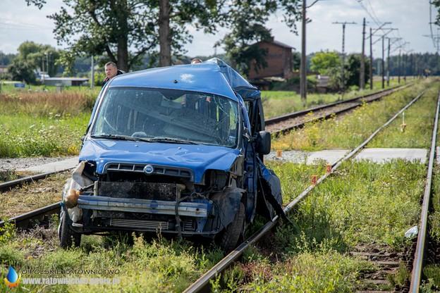 Jedna osoba podróżująca samochodem została ranna