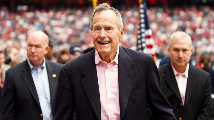 """Były prezydent USA oskarżany o molestowanie seksualne. """"Opowiedział mi nieprzyzwoity żart"""""""