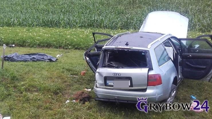 Śmiertelny wypadek. Bliźniacy nie chcą przyznać, który z nich prowadził auto