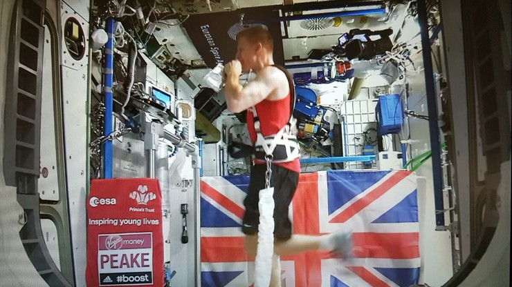 Brytyjski astronauta pokonał maraton. 400 kilometrów nad Ziemią
