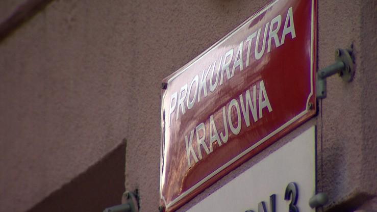 Zatrzymanie ws. wyłudzenia prawie 100 mln zł VAT. W śledztwie zarzuty usłyszały do tej pory 24 osoby
