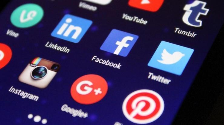 Kradzież danych. Polacy nie zabezpieczają swoich smartfonów