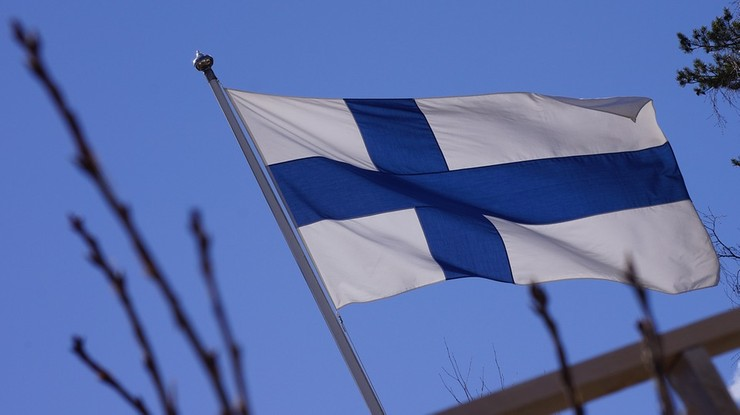 Akt oskarżenia ws. nożownika z Finlandii trafił do sądu. Mężczyzna zabił dwie osoby, a osiem ranił