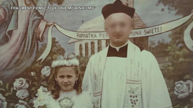 Ofiara księdza: pamiętam strach, żeby to zdjęcie nie pokazało, co działo się między nami