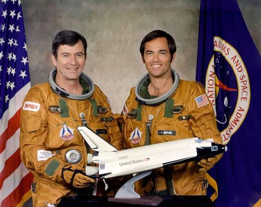Załoga STS-1 - John Young i Robert L. Crippen