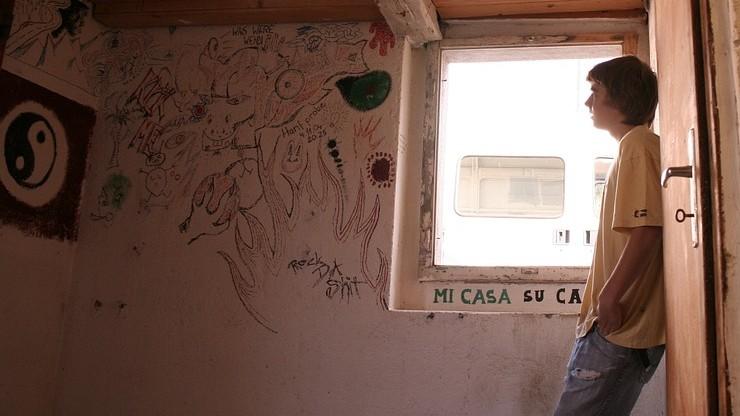 Najwięcej nastolatków ucieka z domów przed wakacjami i po nich