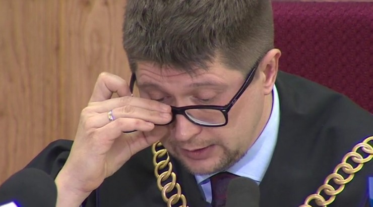 """Obrońcy sędziego Łączewskiego chcą umorzenia postępowania. Prokurator """"niezdatny do procedowania"""""""
