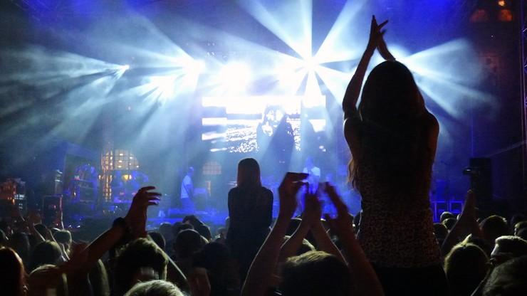 Narodowe Centrum Kultury sprawdziło, czego słucha młodzież. Wygrywają pop i rap