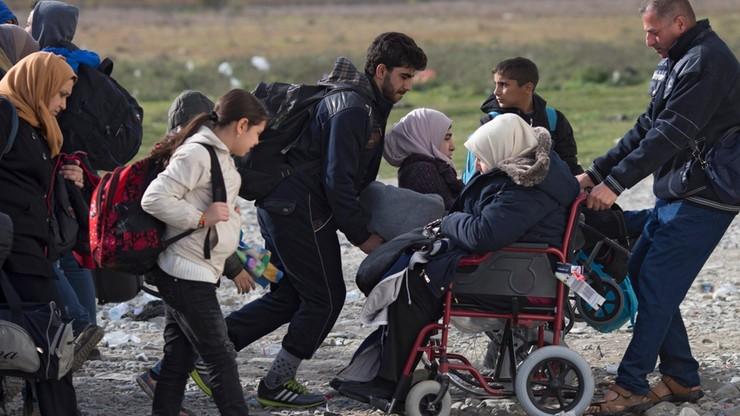 Najbardziej przychylni przyjmowaniu uchodźców są Węgrzy, najmniej Słowacy