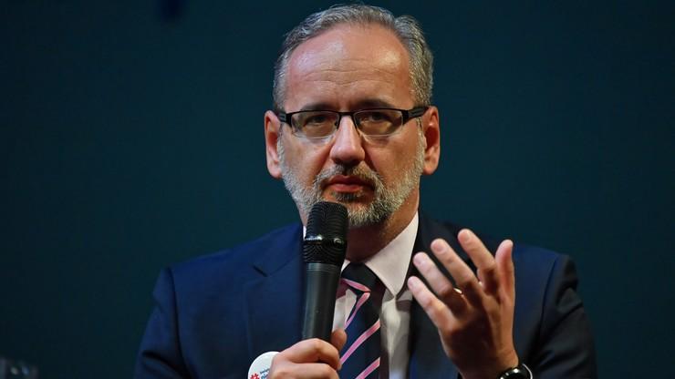 Bardziej zakaźna mutacja wirusa w Polsce. Minister Adam Niedzielski przedstawia dane