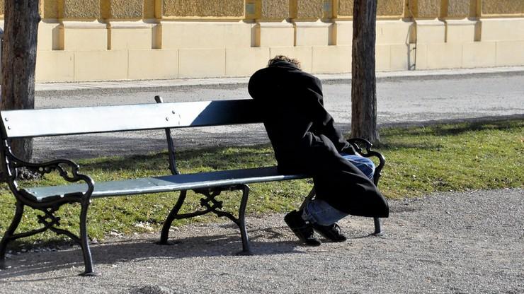 Bezdomny otrzymał przelew na prawie 10 tys. euro. Prokurator ścigał go przez sześć lat