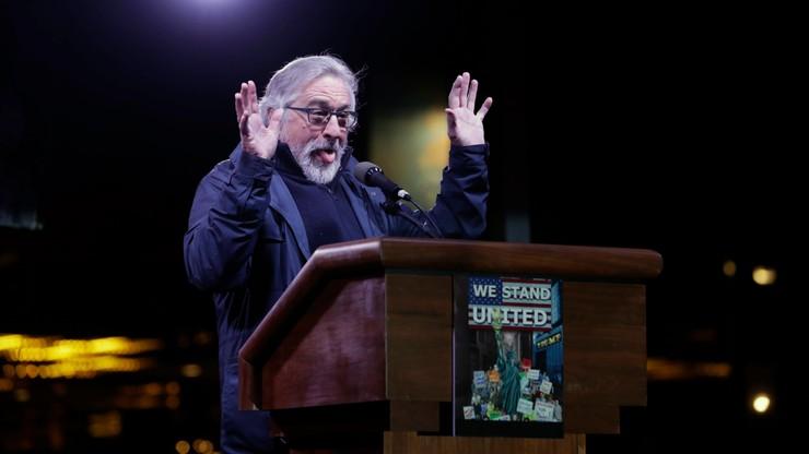 Gwiazdy kina we wspólnym wystąpieniu przeciwko Trumpowi. Baldwin, De Niro i Moore na wiecu w Nowym Jorku