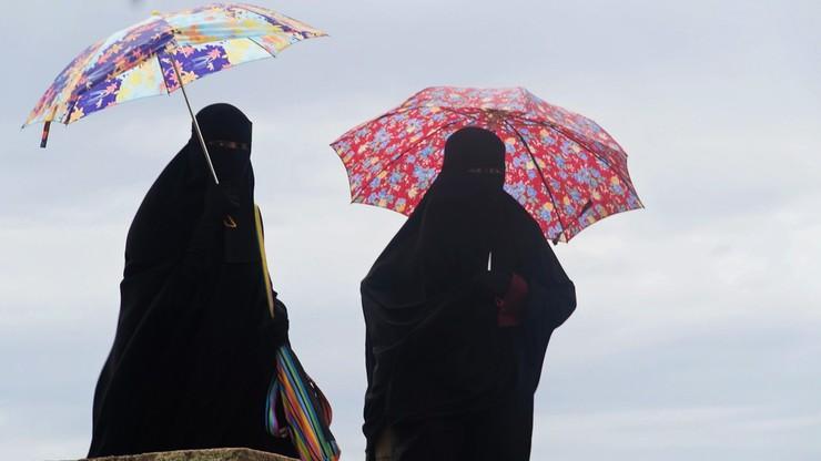 """""""Oni nie mówią po angielsku"""". 5-latka spędziła pół roku w muzułmańskich rodzinach zastępczych"""