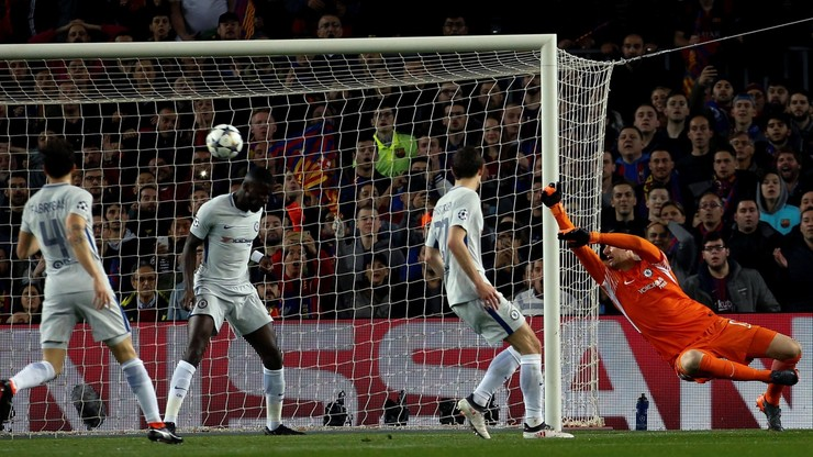 Kibice Chelsea spałowani przez ochronę na Camp Nou (WIDEO)