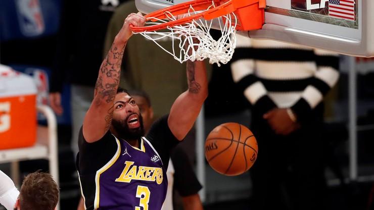 NBA: Porażka broniących tytułu Lakers. Powrót gwiazdy