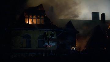 Pożar w Milanówku. Zapaliła się zabytkowa willa