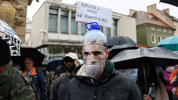 Manifestacja antycovidowców. Policja użyła gazu pieprzowego