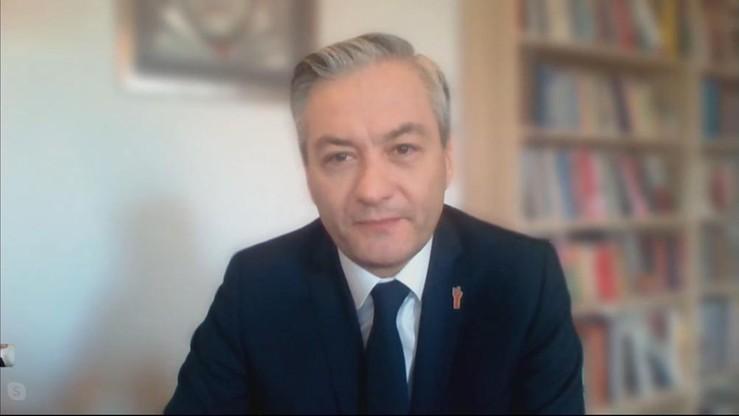 Biedroń: PiS przekroczyło czerwoną linię, za którą jest zniewolenie. Duda jest tchórzem