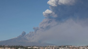 Przebudzenie wulkanu Etna. Lotnisko w Katanii zamknięte