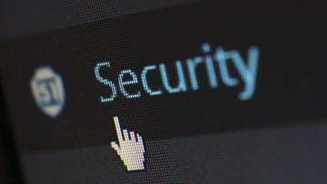 Na cyberataki narażeni są wszyscy. Jak ich uniknąć?
