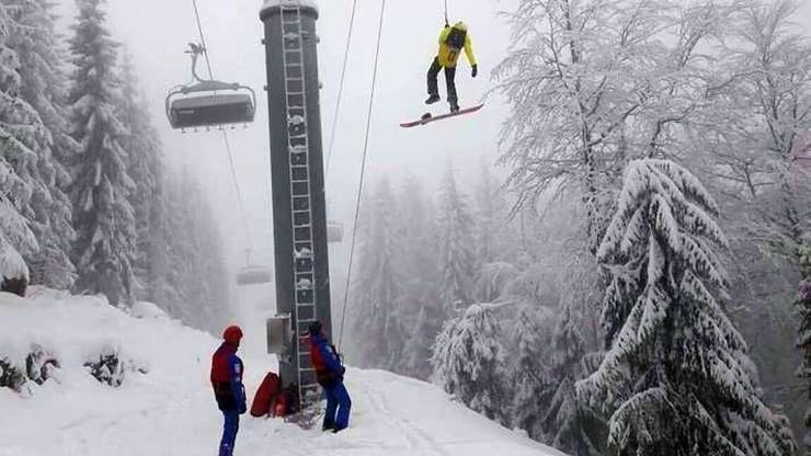 26 osób utknęło w kolejce linowej w Szczyrku. Ewakuowali je ratownicy