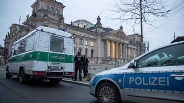 Europa przedłuża ograniczenia. W wielu krajach godzina policyjna