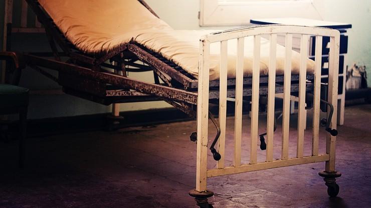 Są przykuci do łóżek, mają rany na ciele. Poniżanie pacjentów w domu opieki dla chorych z demencją