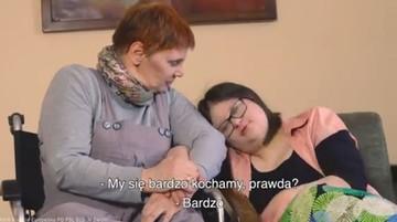 """Ochojska dodała wideo z dziewczyną z zespołem Downa. Twitter ostrzega przed """"nieodpowiednią treścią"""""""