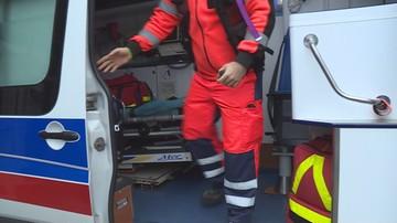 Łódź: agresywny pacjent usiłował wbić ratownikowi medycznemu nóż w plecy