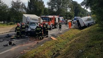 Wypadek z udziałem trzech busów w Lubelskiem. Jedna osoba zginęła, 16 trafiło do szpitala