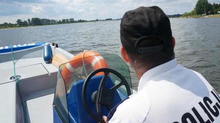 Śląskie: zachłysnął się wodą. 49-latek utonął na niestrzeżonym kąpielisku