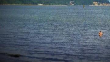 Kąpały się nago o świcie w jeziorze. Trafią przed sąd
