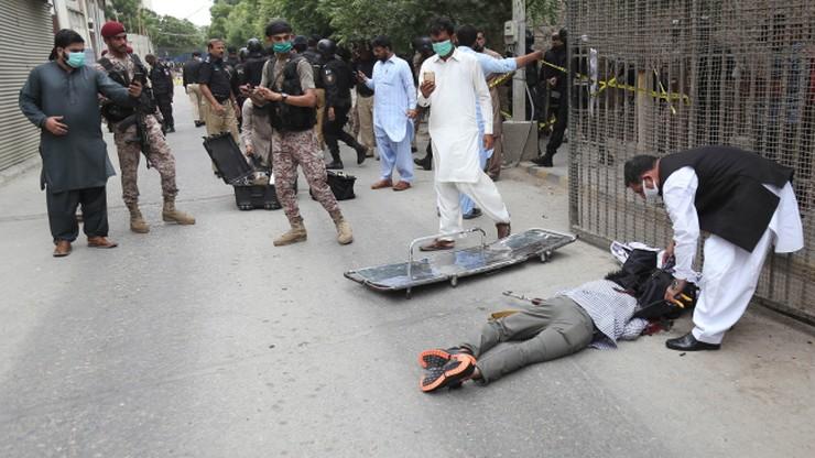 Atak na budynek giełdy w Pakistanie