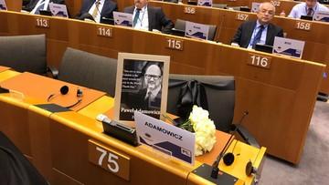 Komitet Regionów UE uczcił minutą ciszy Pawła Adamowicza i inne ofiary terroru
