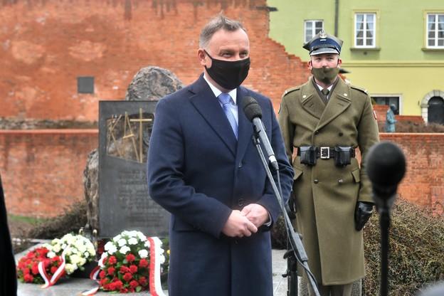 Prezydent w rocznicę Zbrodni Katyńskiej: celem akcji było unicestwienie naszego narodu