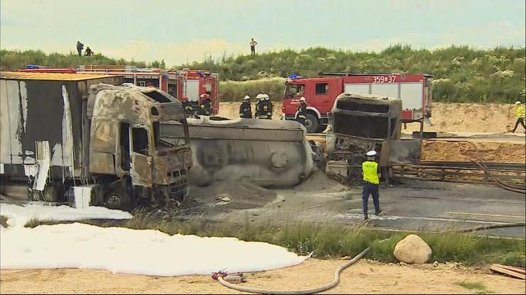 Zderzenie autokaru i ciężarówek. Wielu poszkodowanych