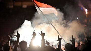 Zarzuty dla pseudokibiców Legii, którzy zaatakowali policjantów na dworcu w Kutnie
