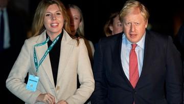 """Boris Johnson zaręczył się z młodszą o ćwierć wieku partnerką. """"Spodziewamy się dziecka"""""""