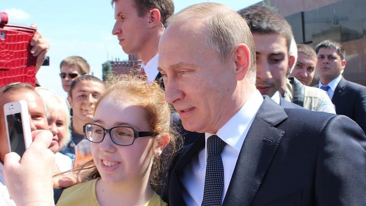 Protestowali przeciwko Putinowi. Sąd skazał ich na 10 i 15 dni aresztu