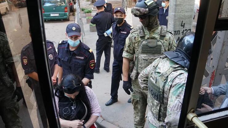 """Ukraina. Rosja zatrzymała Tatarów, którzy wrócili z Platformy Krymskiej. """"Zatrzymani są torturowani"""""""