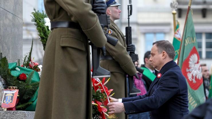 Prezydent złożył kwiaty przed pomnikami marszałka Józefa Piłsudskiego i Wincentego Witosa
