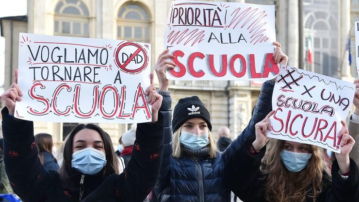 Uczniowie nie chcą nauczania zdalnego. Strajk we Włoszech