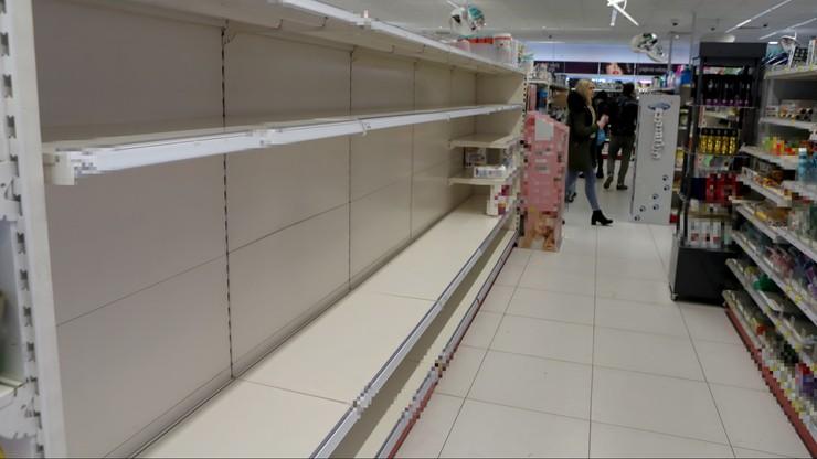 Czy zamkną sklepy? Minister wyjaśnia