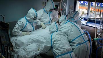Trzecia fala epidemii i południowoafrykańska mutacja wirusa w Polsce. Raport Dnia