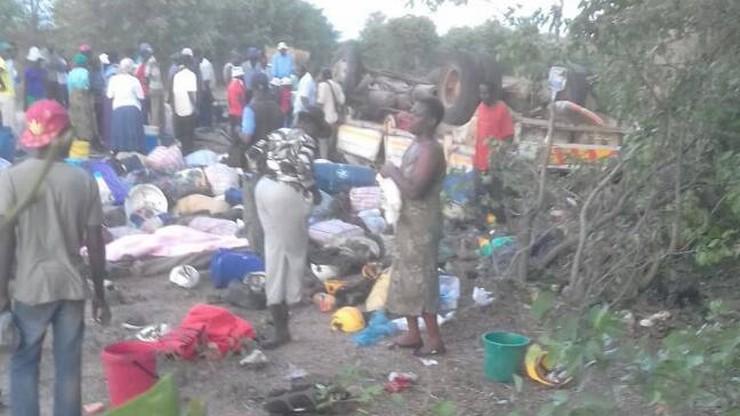21 osób zginęło w wypadku ciężarówki w Zimbabwe