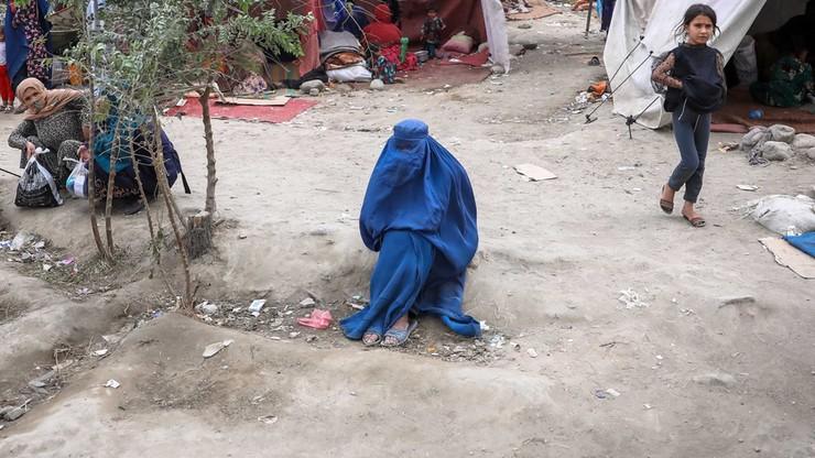 Afgańska studentka: muszę spalić wszystko, co osiągnęłam przez 24 lata życia