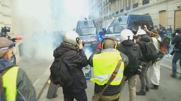 """Starcia podczas protestu """"żółtych kamizelek"""" we Francji. 135 rannych, prawie tysiąc zatrzymanych"""