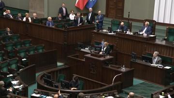 """""""Kaczyński gardzi Polakami"""", """"Prowokacja PO"""". Fala komentarzy po """"chamskiej hołocie"""""""