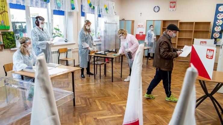 Za mało chętnych do pracy w komisjach wyborczych w Warszawie